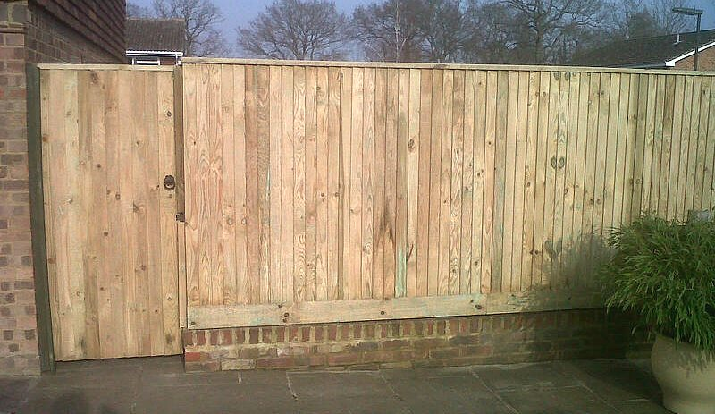Fence Contractor In Bookham Macdonald Fencing Amp Sons