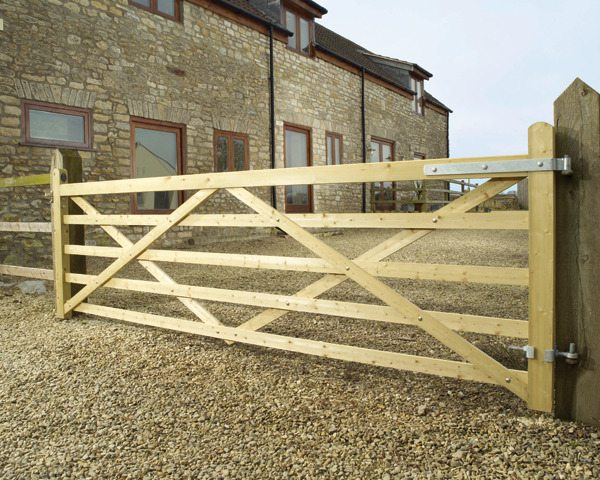 Five Bar Gate Macdonald Fencing Amp Sons Fencing