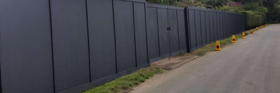 Providing site hoarding, security fencing and acoustic close board.